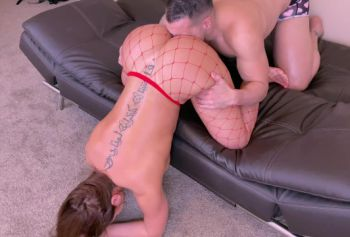 Подружная девушка порно фото жаркого порева с толстой попкой получает грубый анальный трах в День святого Валентина
