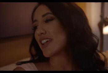 Модель с порно винтаж сайта girlsw.online пришла заработать своей попкой!