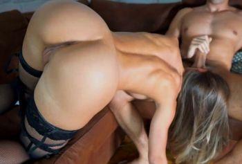 Возбужденная юная русское порно видео hd девушка испытывает оргазм на его члене l Любительская пара LacyLuxxx