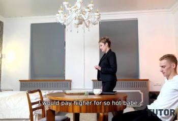TUTOR4K. Зрелая русский раб порно женщина с короткой стрижкой дала в киску молодому мужчине