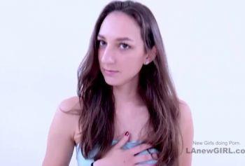 Брюнетка любительница русское порно ххх была оттрахана большим членом на прослушивании