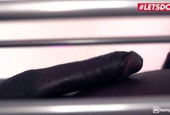 Отель разврата порно видео русское зрелые - Большезадая русская девочка трахает своего первого BBC в отеле