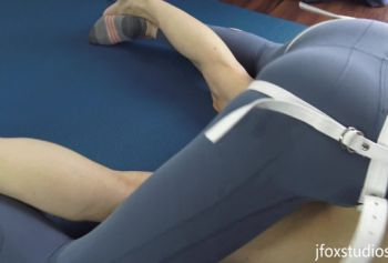 Современная йога  - тренировка бёдер и кора. Часть 2